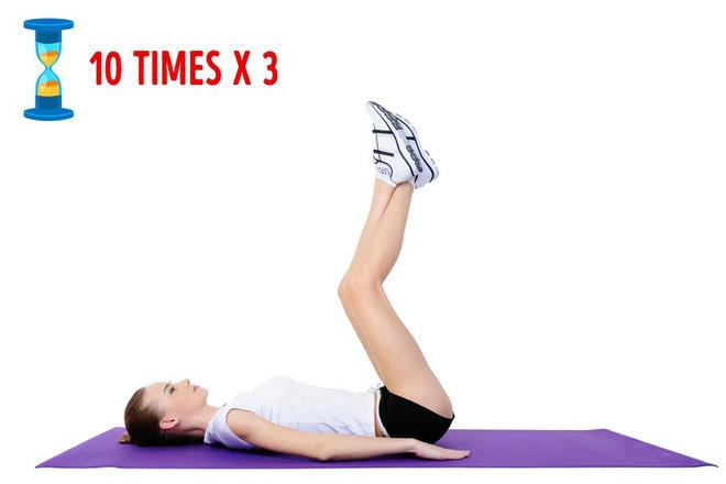 Bài tập giảm mỡ bụng 3: Nâng chân lên cao