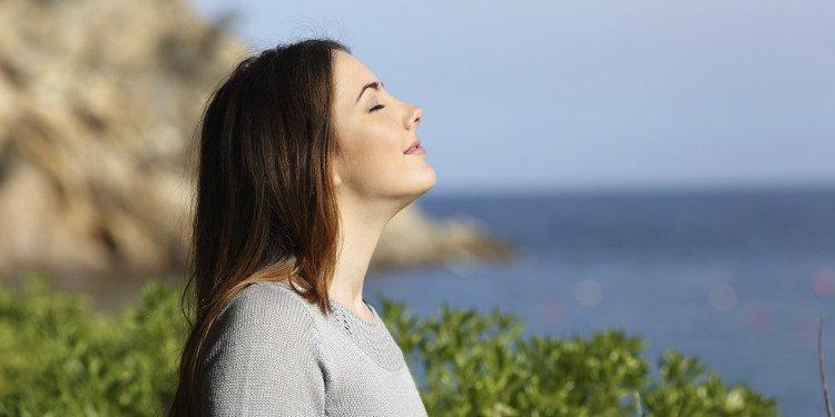Giảm cân đơn giản với thói quen hít thở sâu